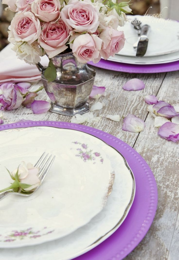 Radiant Orchid Chargers  Photo Source: French Country Cottage #radiantorchid #tablesettings