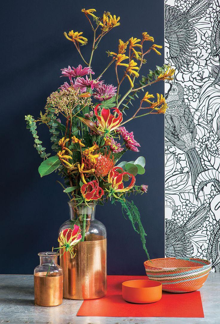 Truffaut - Composition d'automne : chrysanthèmes, anigozantis, gloriosa, protea et eucalyptus