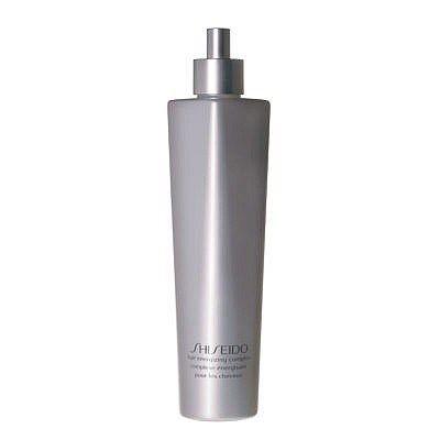 Shiseido Hair Energizing Complex, un trattamento che previene la caduta dei capelli. Arricchito con Tetracosamina, crea un'ambiente favorevole alle funzioni vitali del capello. La capigliatura si mantiene folta e luminosa poiché favorisce l'attività del bulbo germinativo dove ha origine la matrice che genera il capello. Controlla la secrezione sebacea del cuoio capelluto prevenendo la sensazione di prurito e la forfora.Si applica tutti i giorni sul cuoio capelluto massaggiando con i…