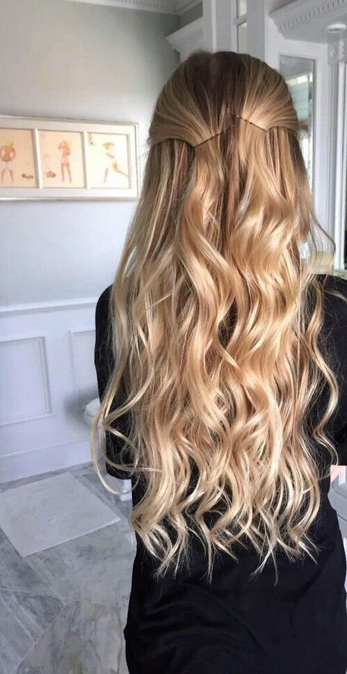Blonde waves (Pinterest: @OneTribeApparel)