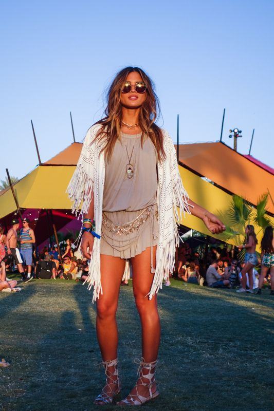 Rocky Barnes, with her beautiful coachella style and round sunglasses. Discover your round sunglasses for the #Coachella2016 music festival at http://www.smartbuyglasses.com/designer-sunglasses/general/-Women----------------------?utm_source=pinterest&utm_medium=social&utm_campaign=PT post