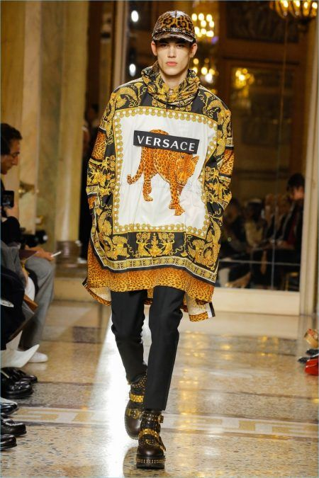 4e039ed9975c Versace Delivers Print Heavy Fall  18 Collection   A➖男19 ...
