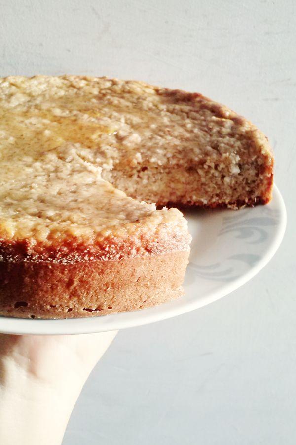 Torta de Banana Fit, sin gluten y sin grasas saturadas. Más recetas saludables en www.ellacocinaverde.com
