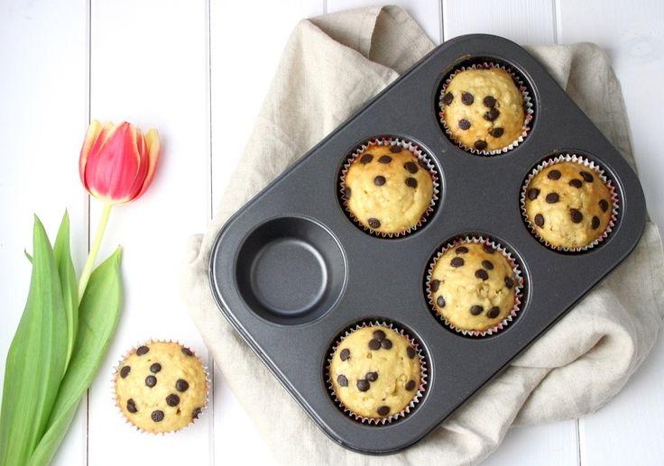 Heute verrate ich euch ein leckeres Rezept für gesunde Dinkel-Muffins ohne Zucker. Zutaten: 110g Dinkelmehl (glatt) 60ml fettarme Milch 2 Eier 50g feine Haferflocken 100g Agavendicksaft oder Honig 2 TL Backpulver 1 TL Kokosöl optional: 2 EL Protein Pulver optional als Topping: Schokoladendrops         Zubereitung: 1.) Backofen aufContinue reading