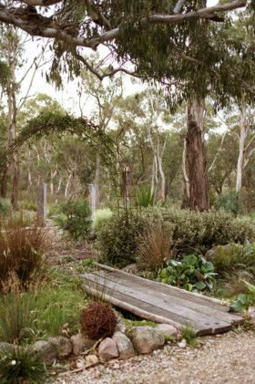 Love this flat garden bridge!  Country home, Lithgow image 8