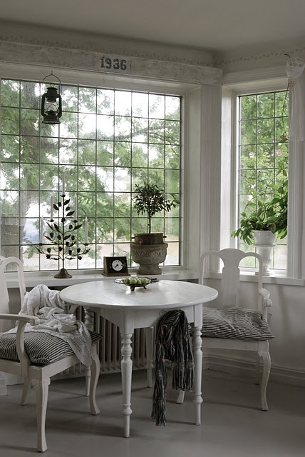 love this room, beautiful windows