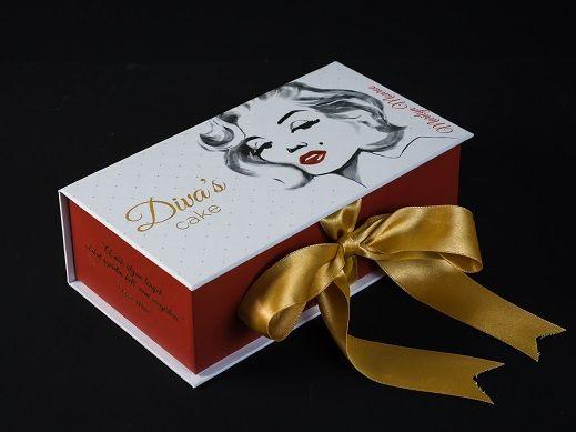 Marilyn box  http://divascake.hu/marilyn-box/