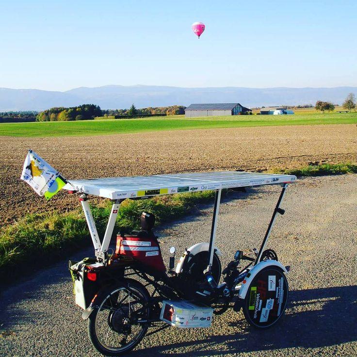 "Solar-Liegerad ""Bleu Ciel"" aus der Schweiz - betrieben mit 234Wp SolbianFlex SP Modulen mit GenaSun-Laderegler #solbian #solar #instatech #greenenergy #innovation #instasolar #flexiblesolarpanels #solarenergy #future #gogreen #pioneer #sunpower #solbianflex #sun #offthegrid #solarpanels #solarbike #solartrike #genasun #bicycle #cycling #ebike"