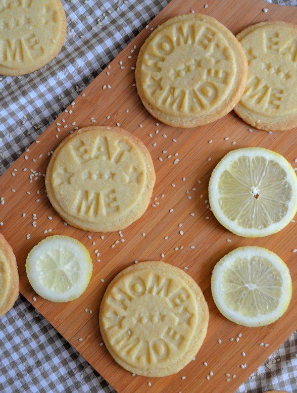 Een recept dat je niet vaak ziet maar verrassend lekker is: koekjes met sesam en citroen.