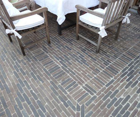 Aanleg Terrassen Hoornaert Tuinaanleg : Terrassen in natuursteen, hardhout, betonklinkers, kleinklinkers, keramische tegels, gravel en grind : draadafsluitingen, groenblijvende hagen, natuurlijke schermen, hardhout, leibomen - uw aannemer tuinwerken West-Vlaanderen, Dentergem