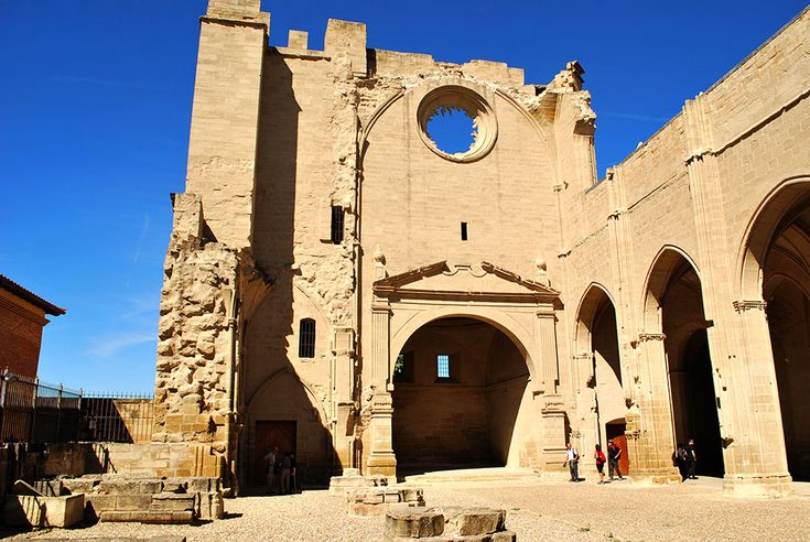 Viana: En busca de la tumba de César Borgia