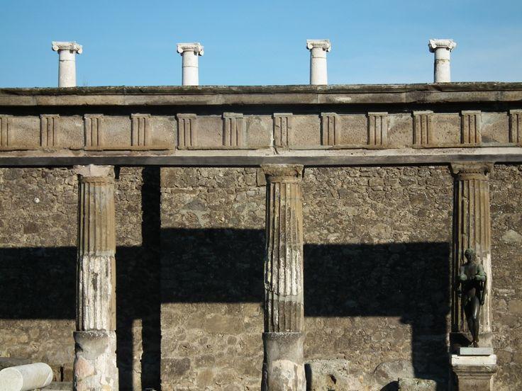 Pompei, dietro al Foro