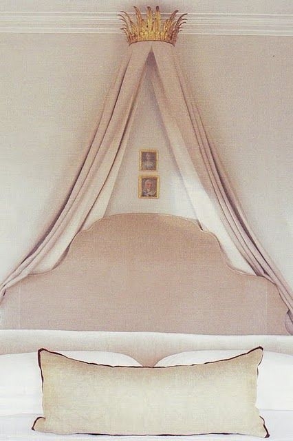 pour les lits de mes princesses...I don't know what that means but it sounds French & this bed is chic. Beautiful palette.