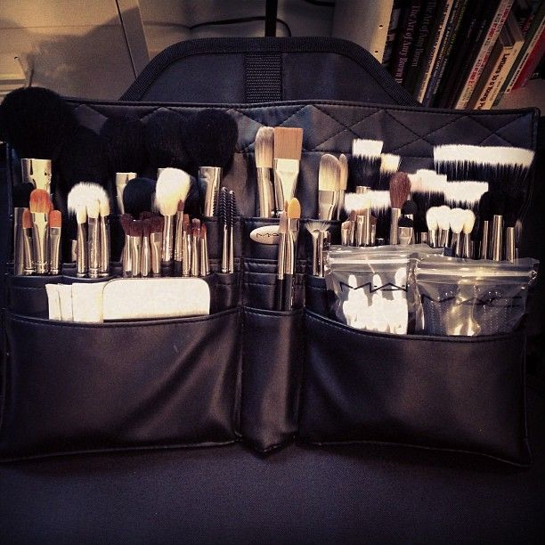 how to become a professional makeup artist for mac