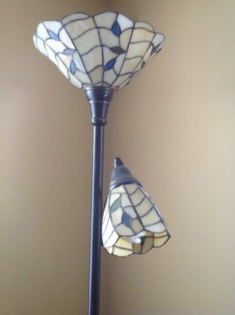 Stained Glass Flower and Bud Lampe... This is so cute!
