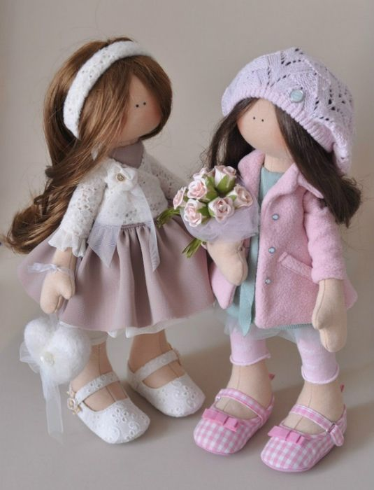 .Lots of pics of T.Conne dolls