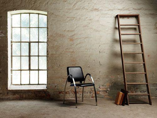 Chairytale stolene har et flot og elegant let design der passer ind i enhver boligindretning. #vermund #stole #design #boligindretning #designerstole