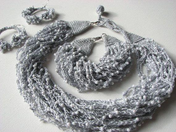 Gocce di rugiada grigi gioielli set orecchini di GreyHeartOfStone