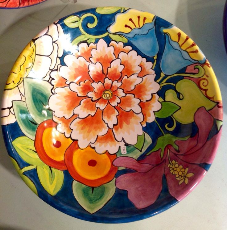 Damariscotta Pottery serving bowl painted by Mary