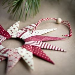 Origami stars for Christmas. Link to tutorial in English and Swedish.