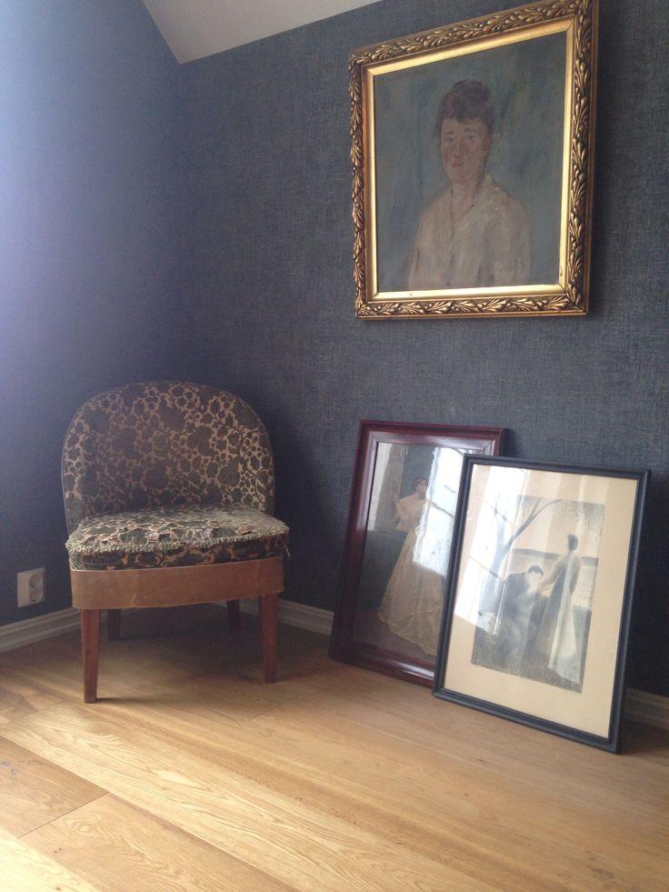 My bedroom vintage corner!