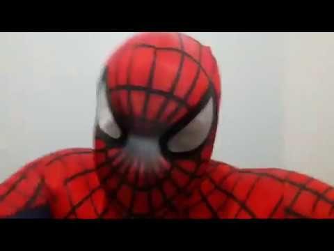 Homem Aranha Spider-Man e escudo Capitão América Captain America na casa...