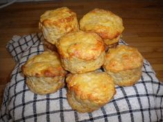 A quick, easy and delicious recipe for cheese scones with a subtle hint of spice from cayenne pepper. A very yummy snack that everyone will love! The batch can easily be doubled to makes 12 scones.