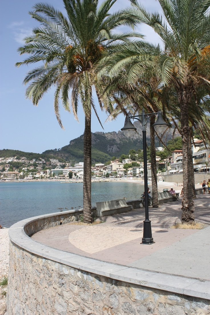 Ca'n Repic in Soller, where the torrente meats the sea.
