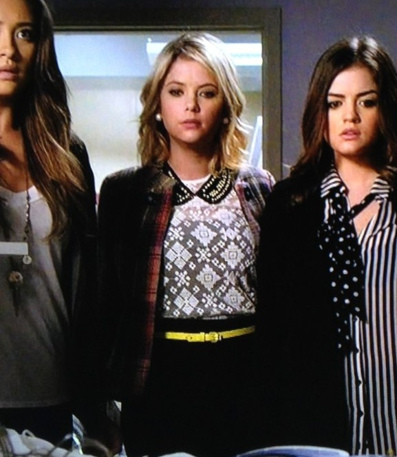 Song at the end of pretty little liars season 3 episode 19
