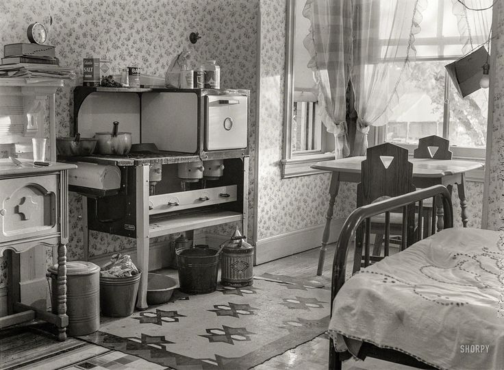 Shorpy Historic Picture Archive :: In My Room: 1939 high-resolution photo