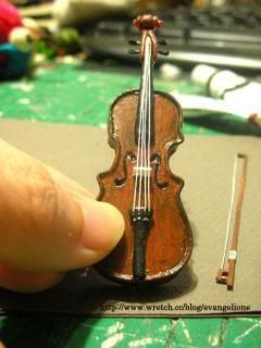 Miniature violin tutorial