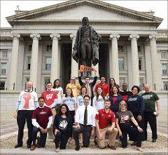 Departamento del Tesoro de Estados Unidos: El personal de apoyo del Tesoro Colegio Nacional de firma de Día (Miércoles 27 de Abr, 2016, 11:56)