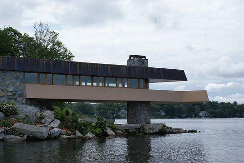 The Last Frank Lloyd Wright House - Lake Mahopac, New York / Built posthumously 2004 - 2007