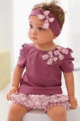 Baju bayi branded adalah baju bayi yang bermrek atau punya brand atau cap, saat ini atau pada tahun 2014 ini. Baju bayi branded banyak dicar...