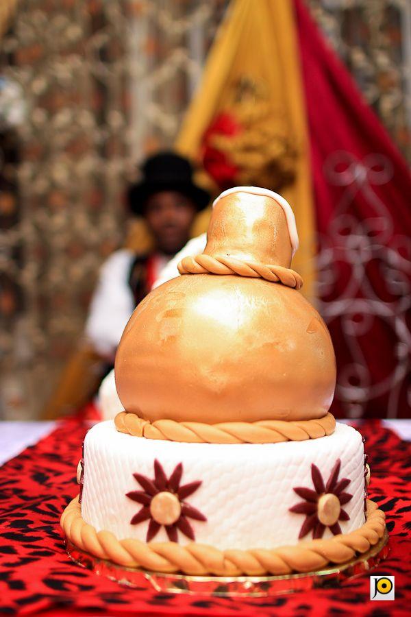 Calabash inspired wedding cake