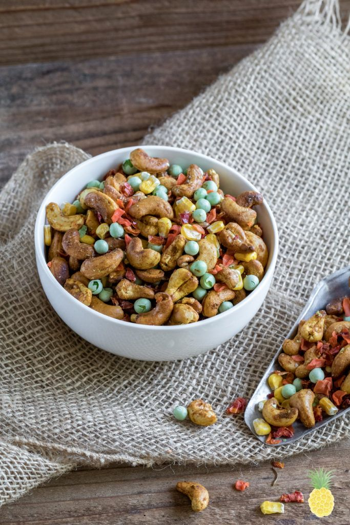 Curried Cashew Veggie Trail Mix Oil Free