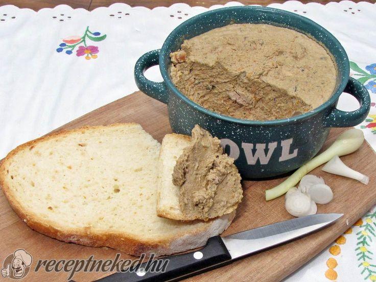 A legjobb Csirkemáj pástétom recept fotóval egyenesen a Receptneked.hu gyűjteményéből. Küldte: Hajdu Istvan