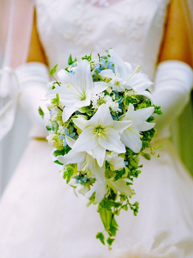 初夏の花嫁様に。旬のスカシユリを使いました。