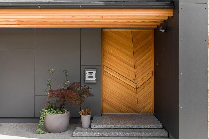 따듯함이 느껴지는 블랙외관의 전원주택 | 시도해 볼 프로젝트 | Facade house, Doors 및 ...