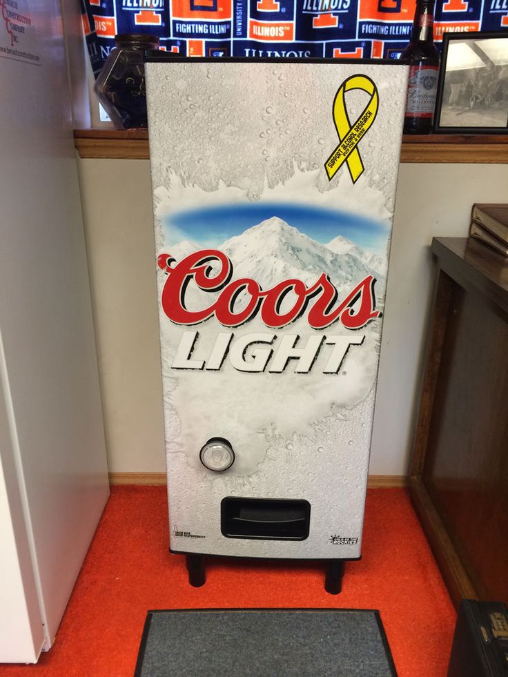 coors light refresherator man cave pinterest coors light and. Black Bedroom Furniture Sets. Home Design Ideas
