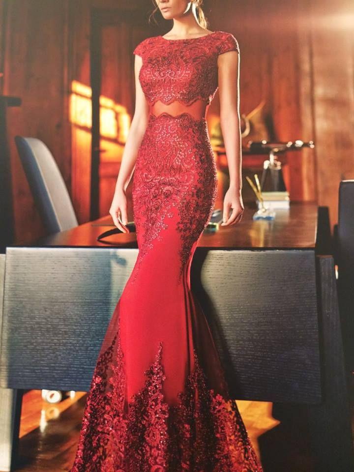 Robe libanaise rouge de déesse
