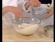 Sara Papa ci insegna a preparare la ciabatta con il poolish, un impasto semiliquido che renderà il nostro pane estremamente morbido e fragrante.