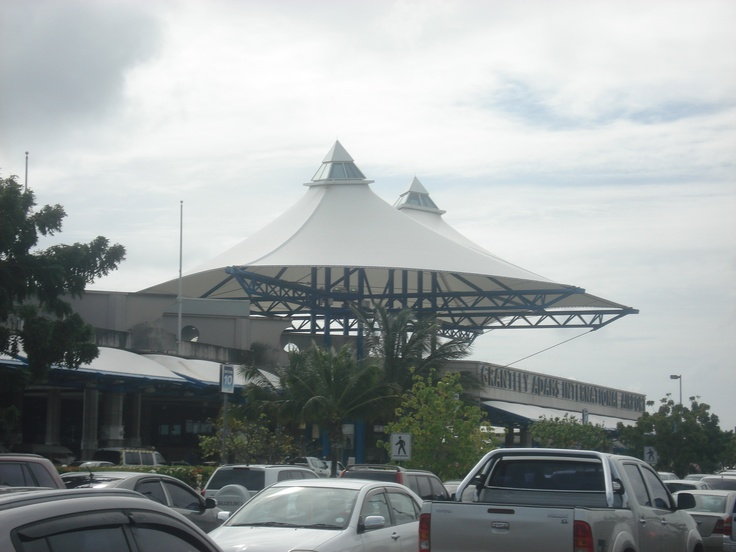 GRANTLEY ADAMS INTERNATIONAL AIRPORT — BARBADOS///Architect: Queen's Quay Architects International Inc. (Expansion and Renovation) /// Completion: 2006 (Original construction by Victor Prus ,1979)