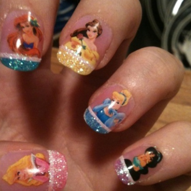 Disney Princess Tiana Waterfall Nail Art: Disney Princess Nails