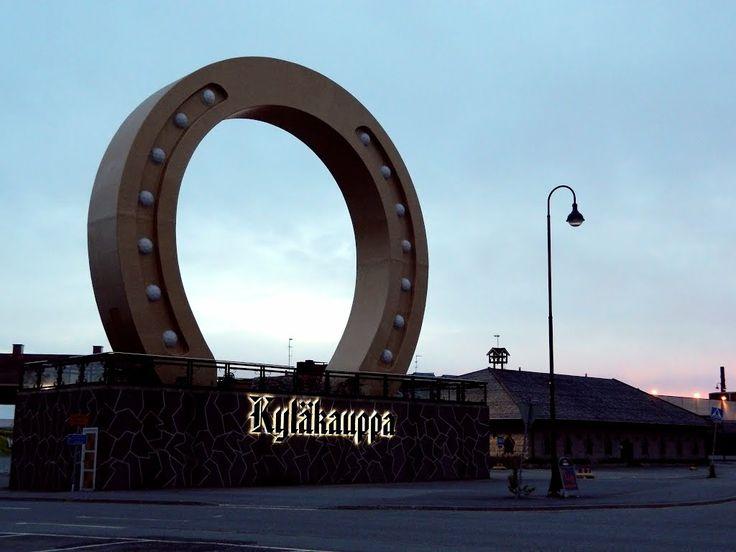 Village shop Lucky shoe monument. Kyläkauppa Onnenkenkä-monumentti. Tuuri Finland.