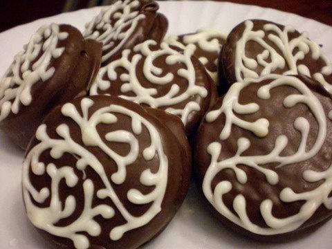 Chocolate Covered Oreos 1 Dozen Hand Piping