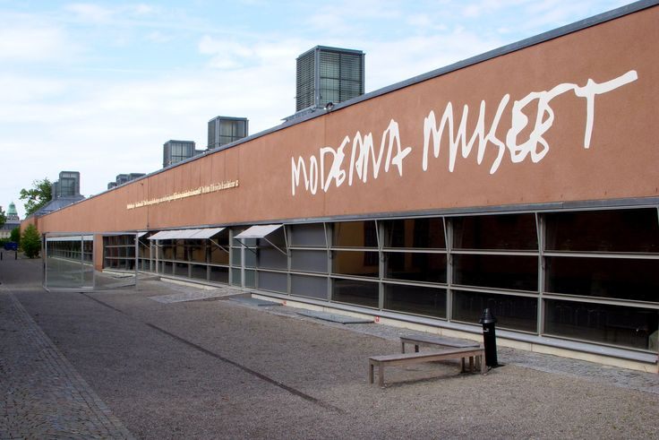 Moderna Museet Stockholm http://www.modernamuseet.se/en/Stockholm/ Opening hours Tuesday 10-20 Wednesday-Thursday 10-18 Friday 10-20 Please note! Fridays 18-20 admission free to the Collection on Floor 4 Exhibitions on Floor 2; 10-18 (Surrealism & Duchamp and 60 Years of Good Frienship in The Study Gallery) Saturday-Sunday 10-18 Monday closed