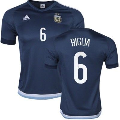 Argentina 2016 Biglia 6 Udebanetrøje Kortærmet.  http://www.fodboldsports.com/argentina-2016-biglia-6-udebanetroje-kortermet-1.  #fodboldtrøjer