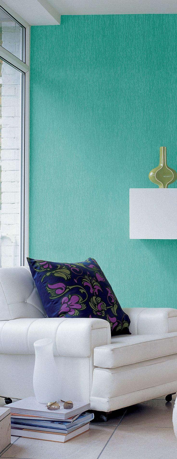 Sala com textura rústica e cor impactante, uma boa ideia, né?