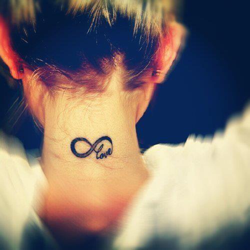 Signo Infinito & Frase: Love - Tatuajes para Mujeres. Encuentra esta muchas ideas mas de Tattoos. Miles de imágenes y fotos día a día. Seguinos en Facebook.com/TatuajesParaMujeres!